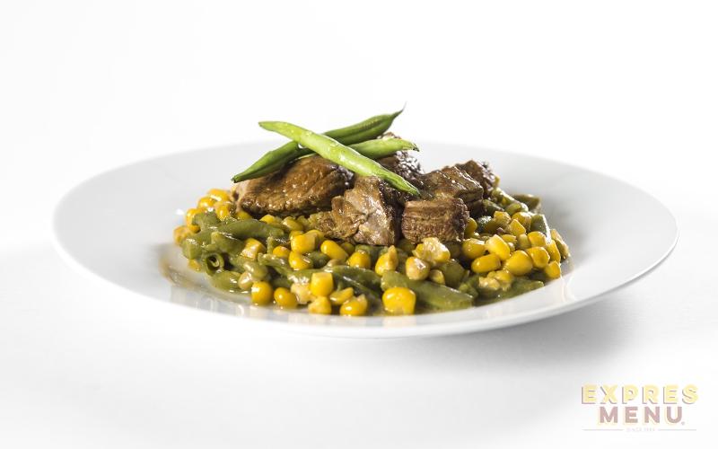 EXPRES MENU Hovězí maso se zeleninou - 1 PORCE 300g